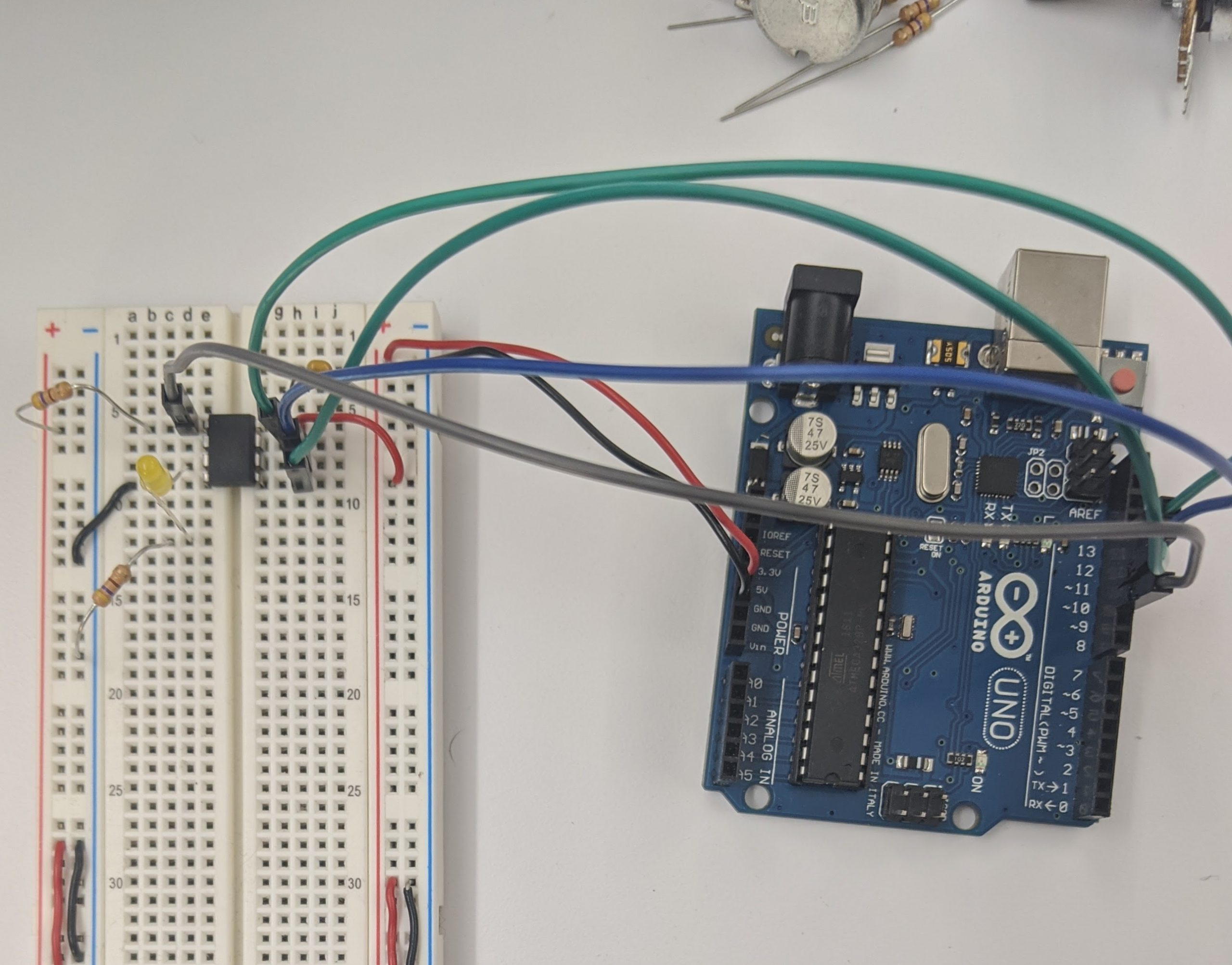 Setup: Arduino UNO connected to ATtiny.