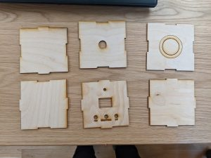Cut wooden pieces.